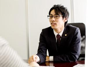 厚木支店長・神奈川県弁護士会、横江利保の写真