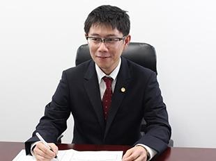 越谷支店長・埼玉弁護士会、岡田大の写真