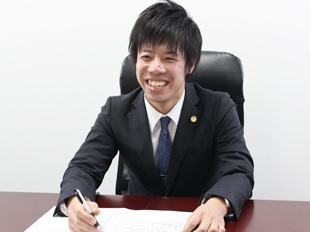 春日部支店長・埼玉弁護士会所属、田部恭兵の写真