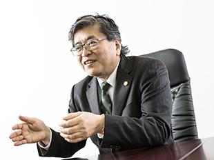 なんば支店長・大阪弁護士会、泉義孝の写真