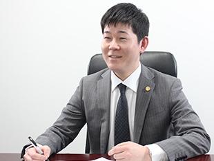 津田沼支店長・千葉県弁護士会、前田大介の写真