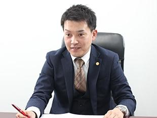 新横浜支店長・神奈川県弁護士会、佐々倉慧の写真